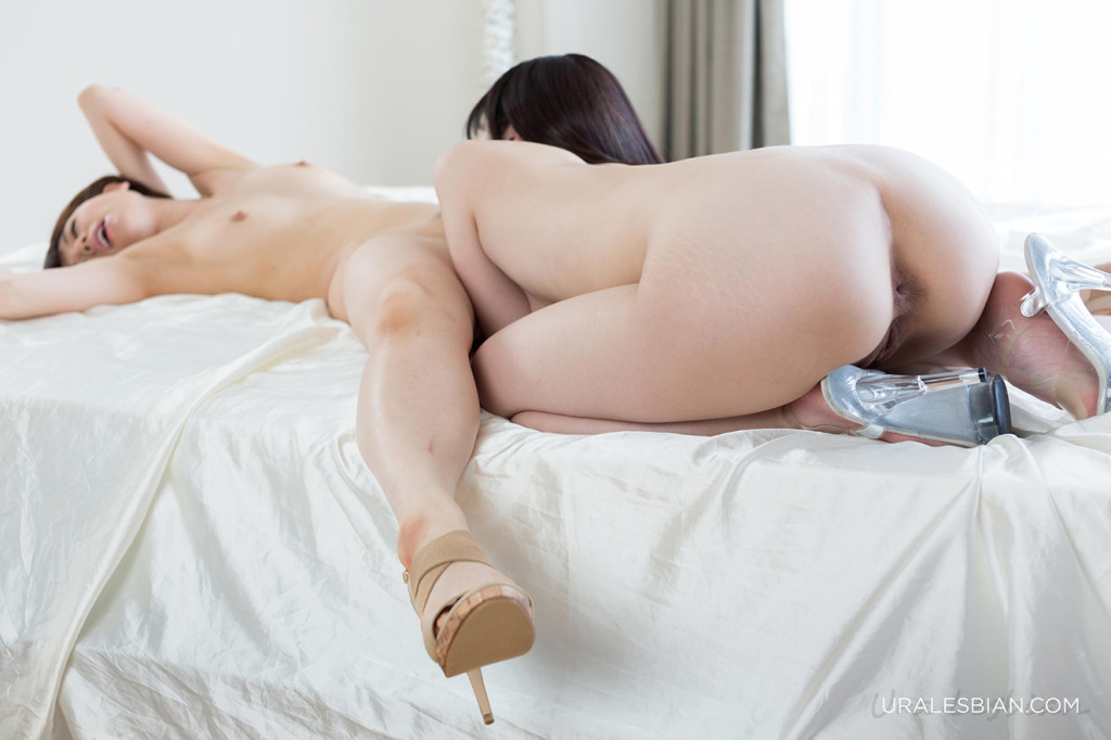 A daughter orgasms from getting spanked 3