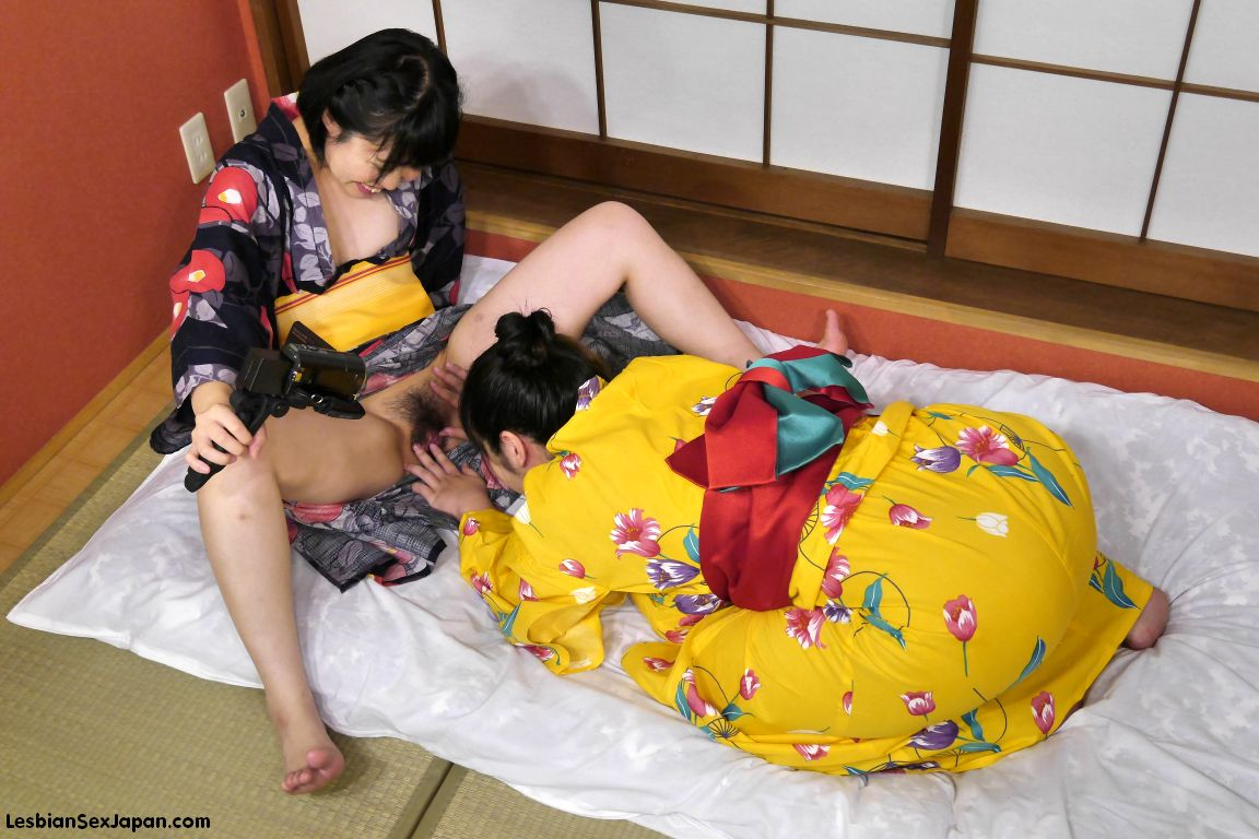 Japanese Lesbian Spit Face