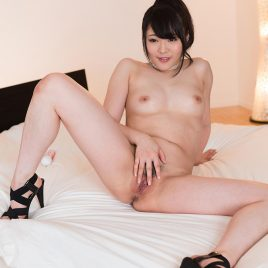 Yui Kawagoe & Aiku Kisaragi - Body Licking Photoset